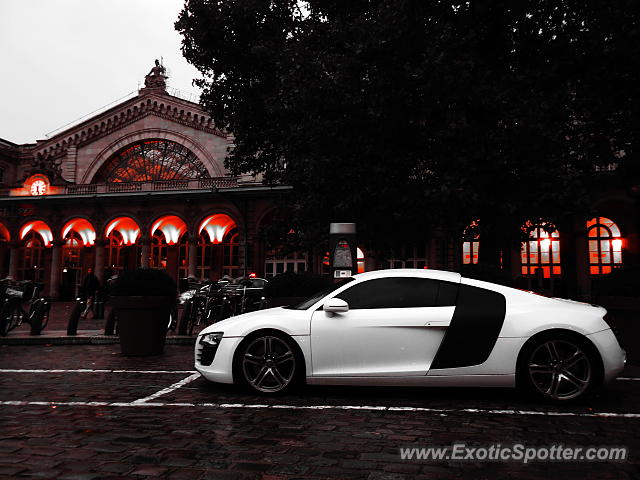 audi r8 spotted in paris france on 10 20 2015 photo 2. Black Bedroom Furniture Sets. Home Design Ideas