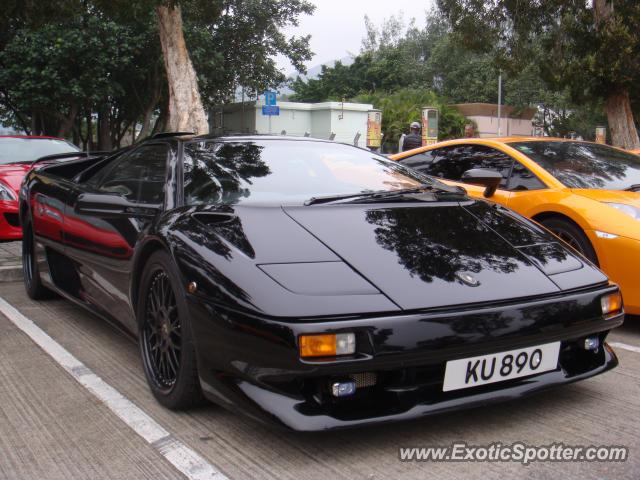 lamborghini diablo spotted in hong kong china on 02 21 2010. Black Bedroom Furniture Sets. Home Design Ideas