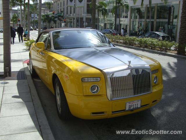 rolls royce phantom spotted in beverly hills california on 03 05 2010. Black Bedroom Furniture Sets. Home Design Ideas
