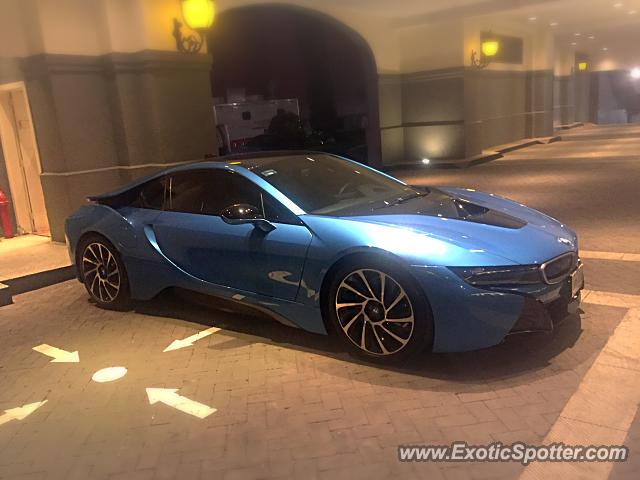 bmw i8 spotted in mexico city mexico on 12 30 2015. Black Bedroom Furniture Sets. Home Design Ideas