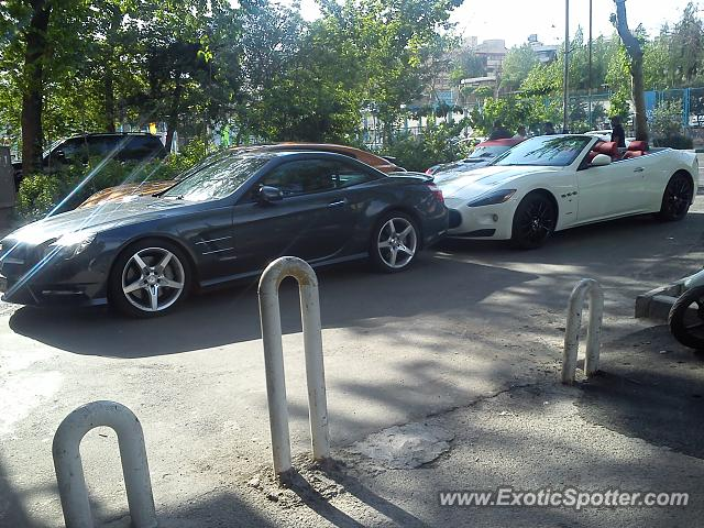 Mercedes SL600 spotted in Tehran, Iran
