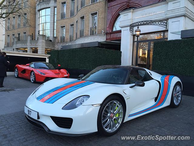 porsche 918 spyder spotted in london united kingdom on 02 09 2016. Black Bedroom Furniture Sets. Home Design Ideas