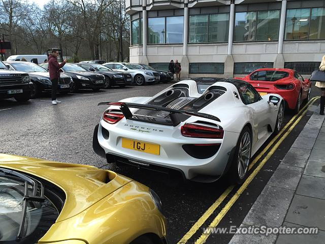 porsche 918 spyder spotted in london united kingdom on 03 06 2016. Black Bedroom Furniture Sets. Home Design Ideas