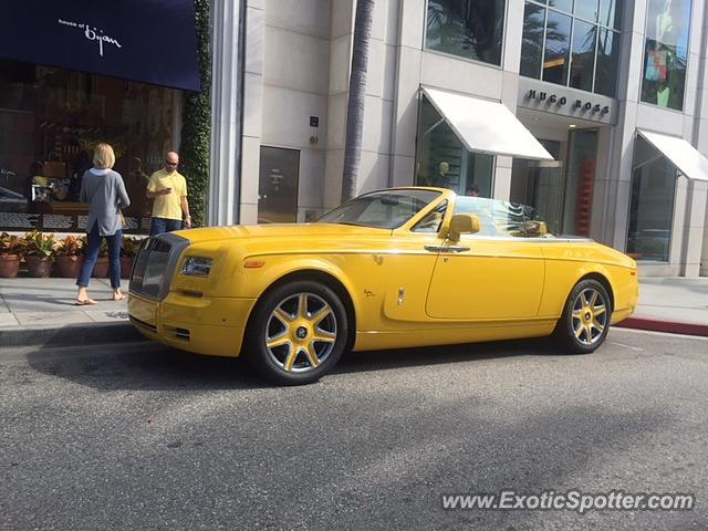 rolls royce phantom spotted in beverly hills california on 02 22 2016. Black Bedroom Furniture Sets. Home Design Ideas