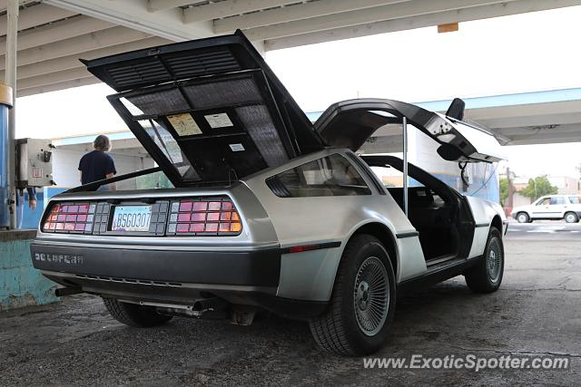 DeLorean DMC-12 spotted in Tucson, Arizona