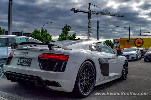 Wonderful Audi R8 Spotted In Auckland, New Zealand