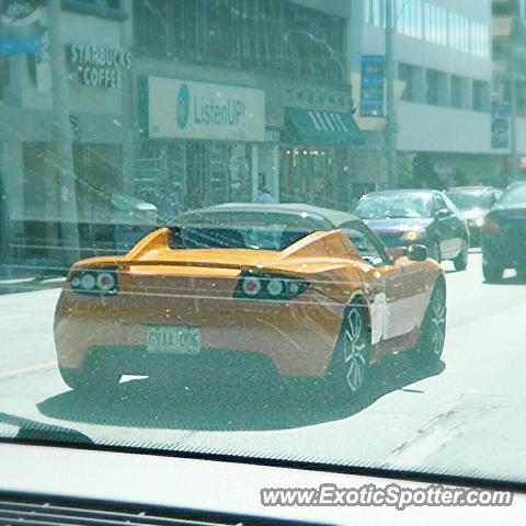 Tesla Roadster spotted in Toronto, Canada