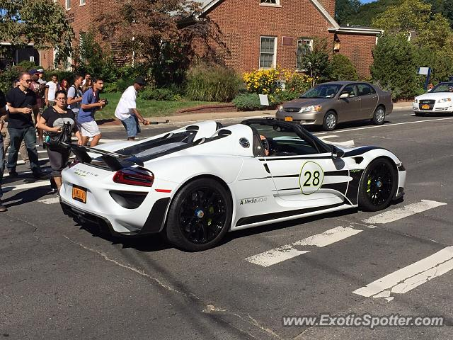 porsche 918 spyder spotted in glen cove new york on 05 01 2015 photo 2. Black Bedroom Furniture Sets. Home Design Ideas