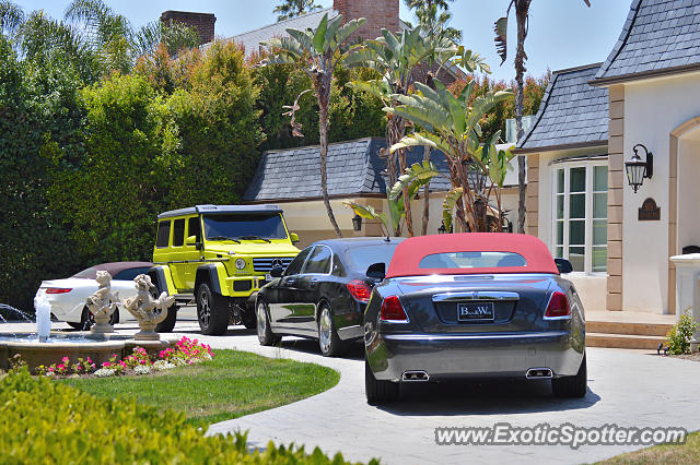 rolls royce dawn spotted in beverly hills california on 06 05 2016. Black Bedroom Furniture Sets. Home Design Ideas