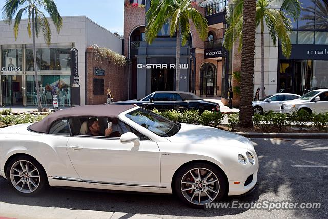 rolls royce dawn spotted in beverly hills california on 06 08 2016. Black Bedroom Furniture Sets. Home Design Ideas