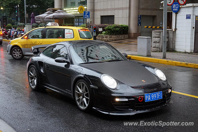 Porsche 911 GT2 spotted in Shanghai, China