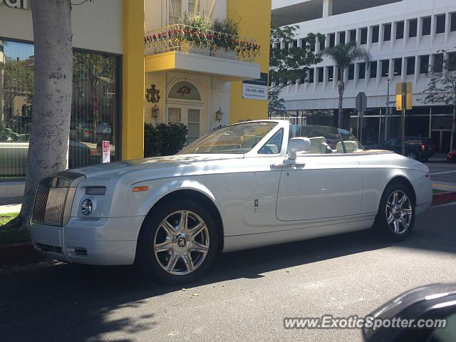 rolls royce phantom spotted in beverly hills california on 09 17 2016. Black Bedroom Furniture Sets. Home Design Ideas