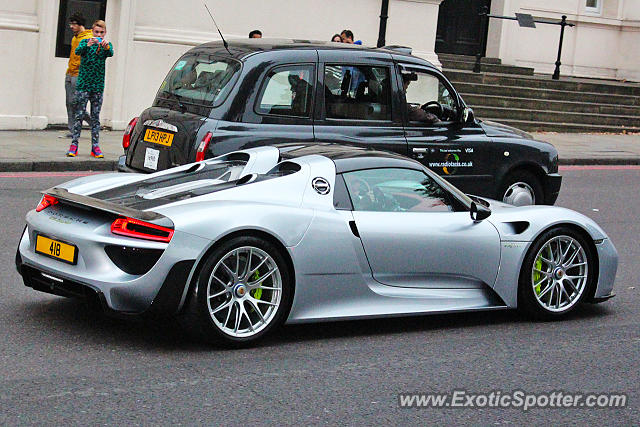 porsche 918 spyder spotted in london united kingdom on 09 17 2016. Black Bedroom Furniture Sets. Home Design Ideas