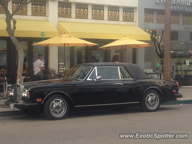 rolls royce corniche spotted in beverly hills california on 11 12 2016. Black Bedroom Furniture Sets. Home Design Ideas