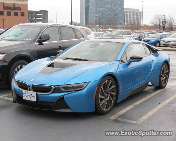 BMW I8 spotted in Tysons Corner Virginia on 12242016