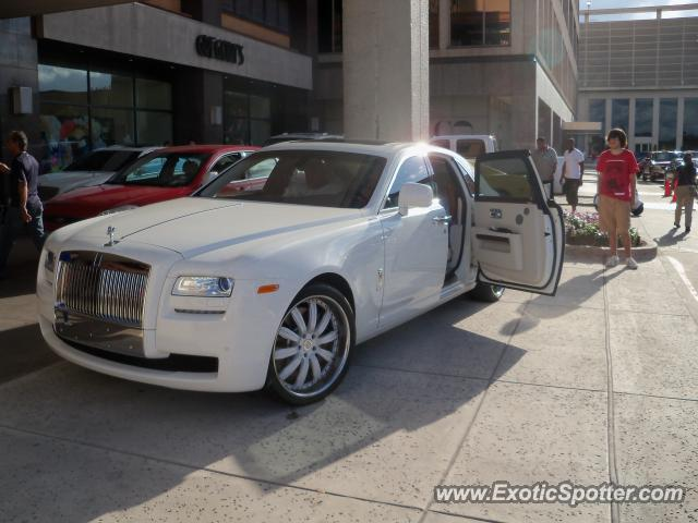 Rolls royce ghost spotted in houston texas on 05 22 2010 for Rolls royce motor cars houston
