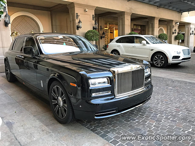 rolls royce phantom spotted in beverly hills california on 04 15 2017. Black Bedroom Furniture Sets. Home Design Ideas