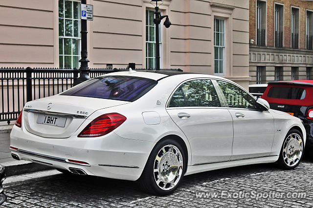 mercedes maybach spotted in london united kingdom on 04. Black Bedroom Furniture Sets. Home Design Ideas