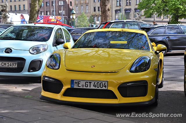 Porsche Cayman GT4 spotted in Düsseldorf, Germany