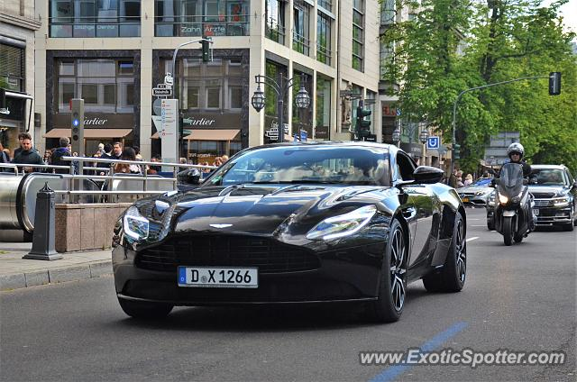 aston martin db11 spotted in d sseldorf germany on 04 29 2017. Black Bedroom Furniture Sets. Home Design Ideas