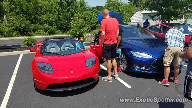 Tesla Roadster spotted in Westerville OH, Ohio