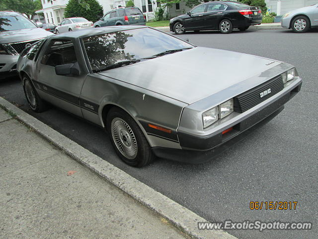 DeLorean DMC-12 spotted in Mechanicsburg, Pennsylvania