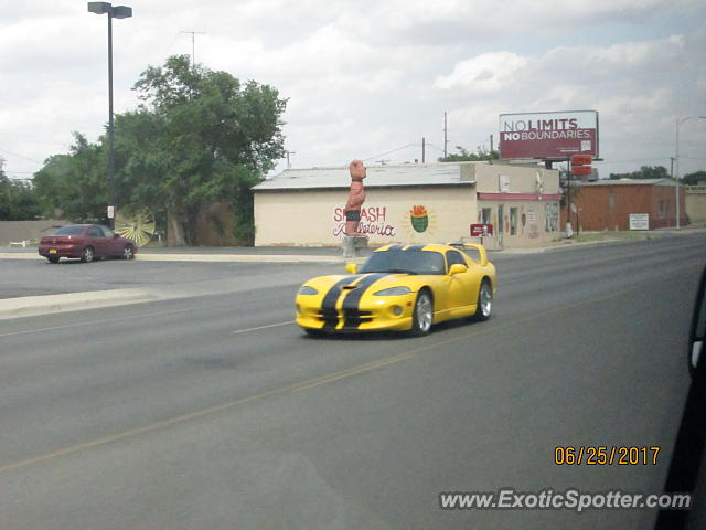 Dodge Viper spotted in Artesia, New Mexico