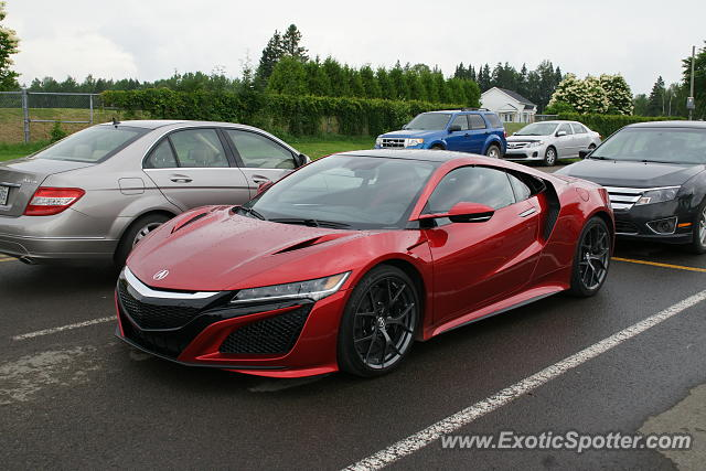 Acura NSX spotted in Boischatel, Canada