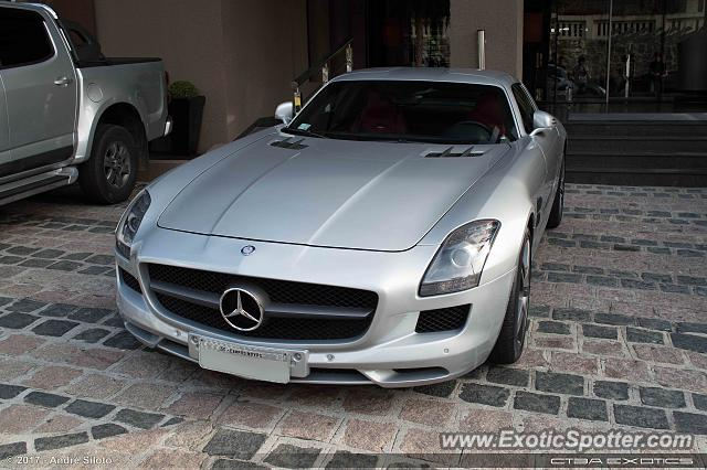 Mercedes SLS AMG spotted in Curitiba, PR, Brazil
