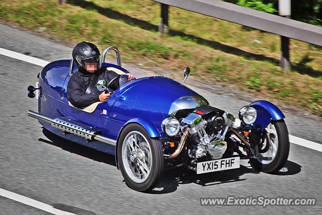 Morgan Aero 8 spotted in Bramham, United Kingdom