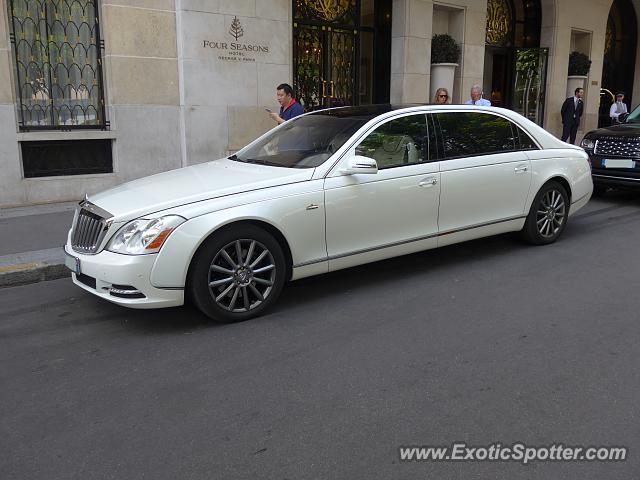 mercedes maybach spotted in paris france on 07 17 2017. Black Bedroom Furniture Sets. Home Design Ideas