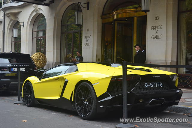 lamborghini aventador spotted in paris france on 07 24 2017 photo 2. Black Bedroom Furniture Sets. Home Design Ideas