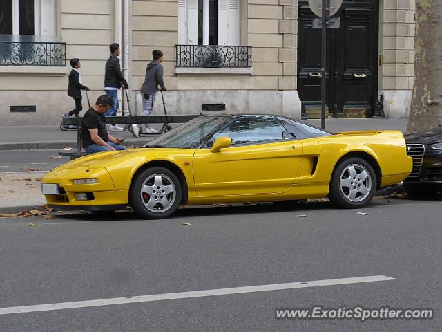 Acura NSX spotted in Paris, France
