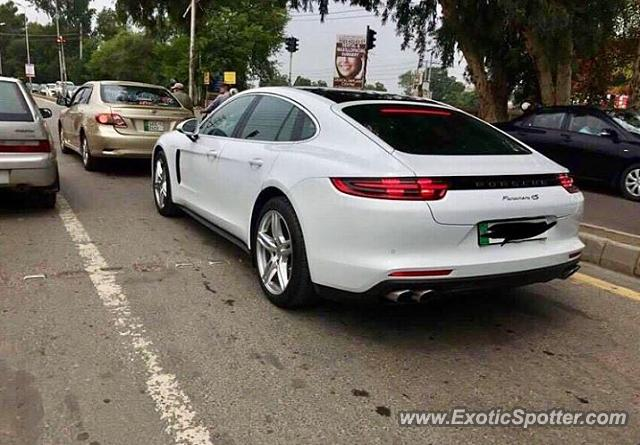 Porsche Cayman GT4 spotted in Lahore, Pakistan