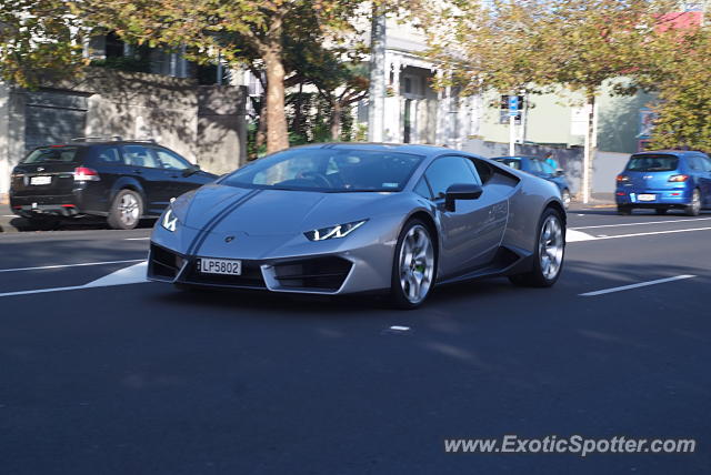 lamborghini huracan spotted in auckland new zealand on 08 08 2017. Black Bedroom Furniture Sets. Home Design Ideas