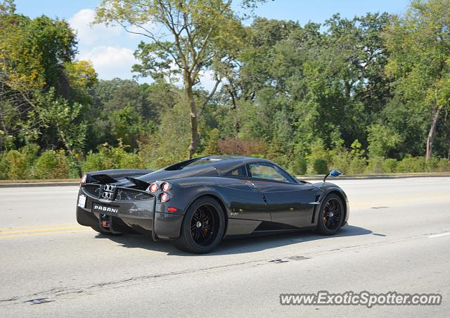 Pagani Huayra spotted in Lake Forest, Illinois