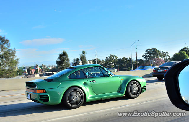Porsche 959 spotted in Los Angeles, California