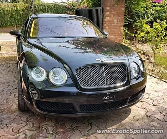 Bentley Flying Spur Spotted In Lahore, Pakistan On 11/29/2017