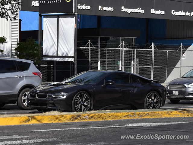 BMW I8 spotted in Guadalajara, Mexico