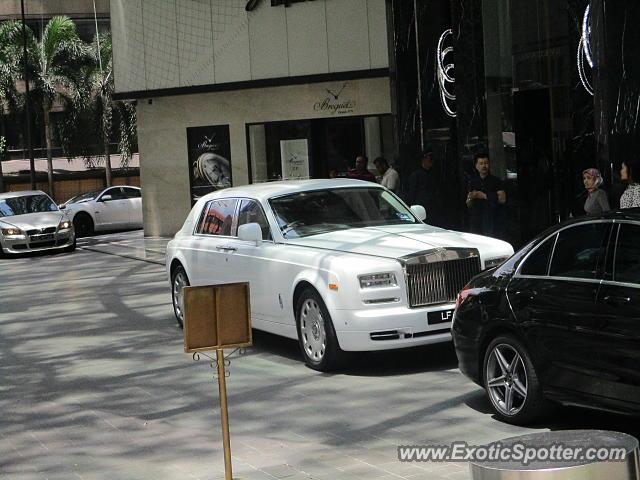 Rolls-Royce Phantom spotted in Kuala lumpur, Malaysia on ...