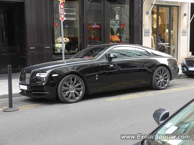 rolls royce wraith spotted in paris france on 04 28 2018. Black Bedroom Furniture Sets. Home Design Ideas