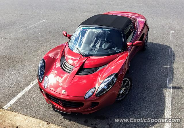 Lotus Elise spotted in Cary, North Carolina