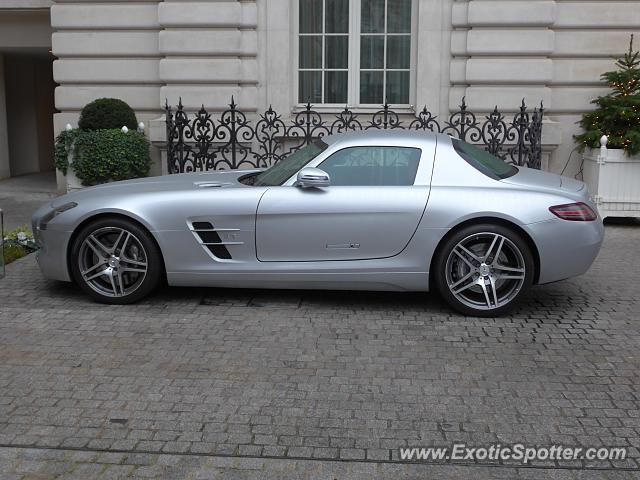Mercedes SLS AMG spotted in Paris, France