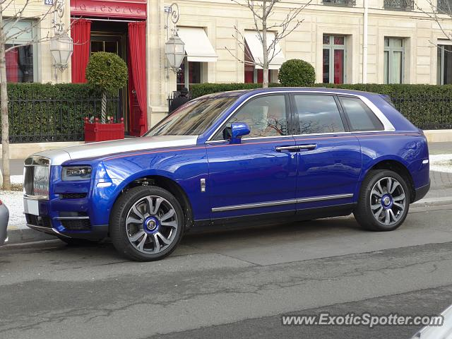 rolls royce cullinan spotted in paris france on 02 03 2019. Black Bedroom Furniture Sets. Home Design Ideas