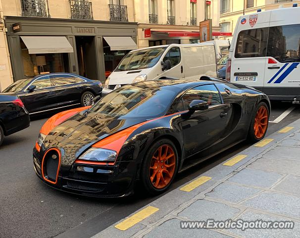 Bugatti Veyron spotted in Paris, France