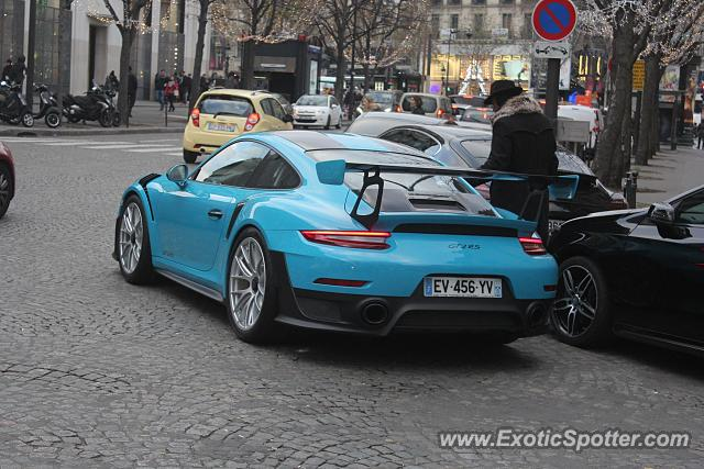 Porsche 911 GT2 spotted in Paris, France