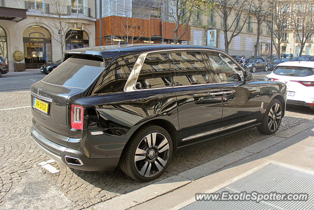 Rolls-Royce Cullinan spotted in Paris, France