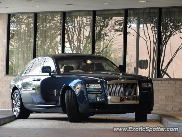 Rolls royce ghost spotted in houston texas on 10 17 2010 for Rolls royce motor cars houston