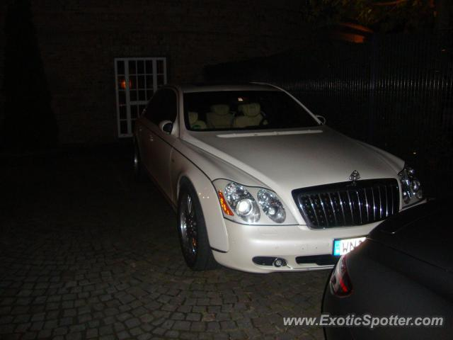 mercedes maybach spotted in cologne germany germany on 10 30 2010. Black Bedroom Furniture Sets. Home Design Ideas