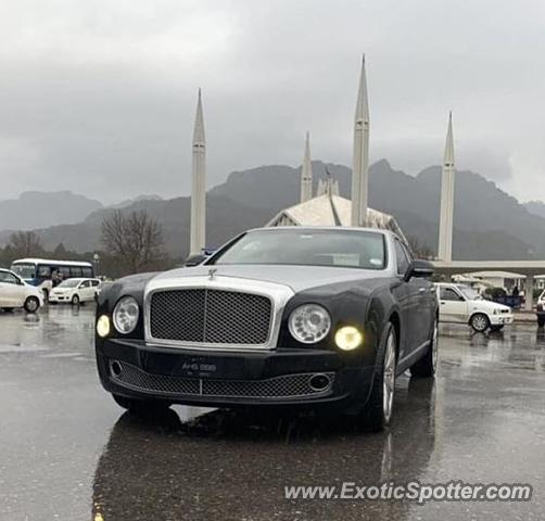 Bentley Mulsanne spotted in Islamabad, Pakistan